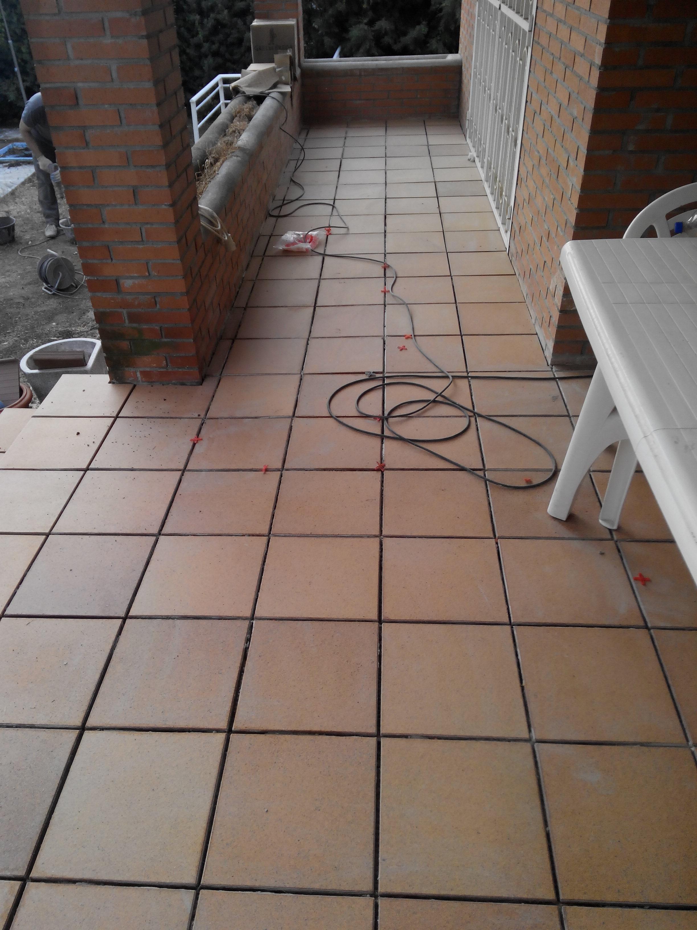 Solado de porche con gres r stico for Gres rustico para interiores